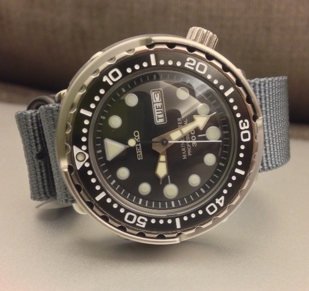 Seiko Tuna on a PVD coated Zulu strap from #cheapestnatostraps #seiko #zulustrap #natostrap #natoband #diverswatch