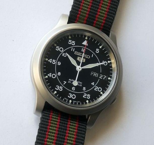 Seiko 5 on a $5 James Bond striped NATO strap from #cheapestnatostraps #seiko #jamesbond #natostrap #natoband