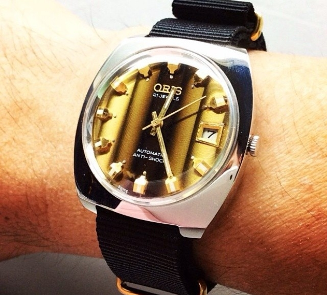 Oris on a gold NATO strap from #cheapestnatostraps.com #oris #vintagewatch #natostrap #natoband #klocksnack #watchuseek #timetotalk