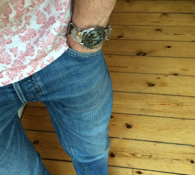 @nivek_k's Omega Speedmaster on a camo NATO strap from #cheapestnatostraps.com #omegaspeedmaster #speedmaster #speedy #omega #natostrap #natoband #camo #watchesofinstagram #instawatch #klocksnack #watchuseek