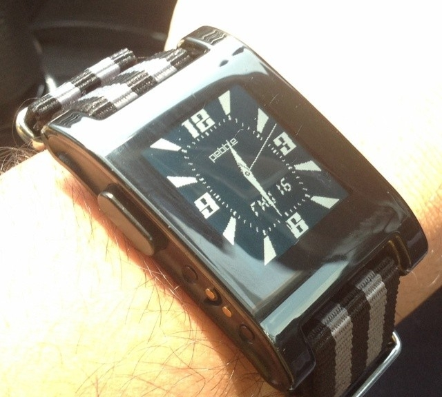 Pebble Smartwatch on a James Bond striped NATO strap from #cheapestnatostraps.com #pebble #smartwatch #jamesbond #natostrap #natoband #instawatch #watchesofinstagram