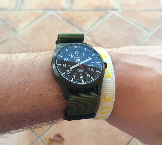 Seiko 5 on a PVD coated NATO strap from #cheapestnatostraps.com #seiko5 #seiko #natostrap #natoband #klocksnack #watchuseek