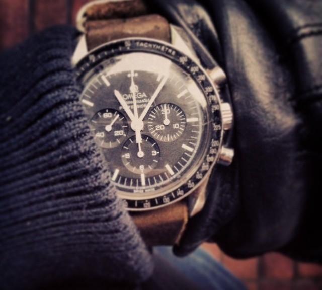 Omega Speedmaster on a leather Zulu strap from #cheapestnatostraps.com #omegaspeedmaster #speedmaster #speedy #omega #zulustrap #leathernatostrap #natostrap #natoband #klocksnack #watchuseek #timetotalk
