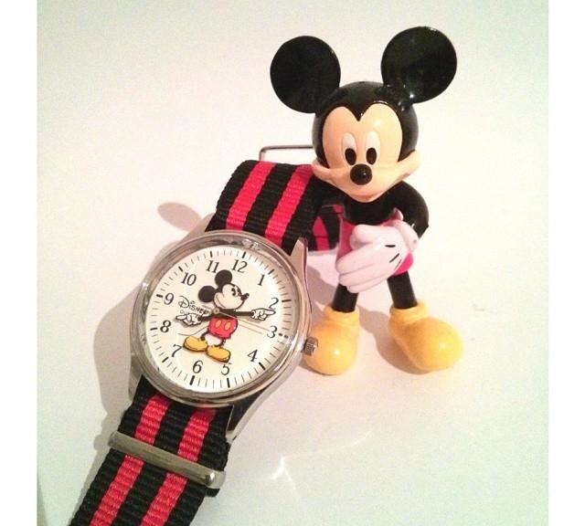 Vintage Disney watch on a NATO strap from #cheapestnatostraps.com #vintagewatch #natostrap #natoband #klocksnack #watchuseek #instawatch #watchesofinstagram #watchaddict #wristporn #watchband #watchstrap