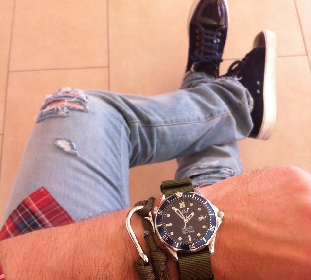 Omega Seamaster on a NATO strap and a hook bracelet from #cheapestnatostraps.com #omegaseamaster #omega #seamaster #natostrap #natoband #klocksnack #watchuseek #instawatch #watchesofinstagram #watchaddict #wristporn